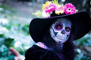 Beim Tag der Toten in Mexiko ist La Catrina eine beliebte Verkleidung.