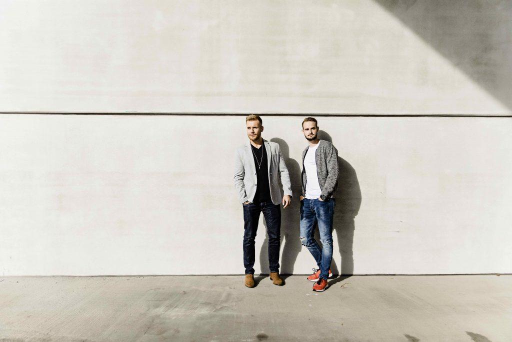 Alexander Giesecke undNicolai Schork sind die Gründer des Youtube-KanalsThe Simple Club.