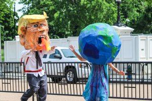 """Klimawandel? """"Lüge!"""", sagt Trump."""