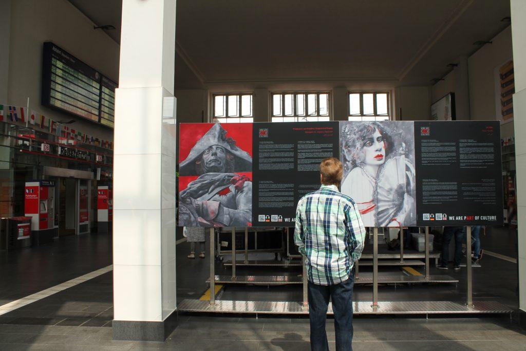 """Die Kunstausstellung """"WE ARE PART OF CULTURE"""" ist vom 12. bis zum 24. Juni kostenlos im Dortmunder Hauptbahnhof zu sehen."""