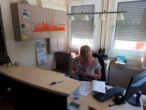 Marion Bernoth bei der Arbeit