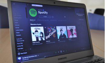 Spotify soll in Zukunft auf allen neuen Samsung-Geräten sein.