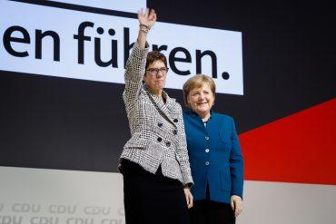 31. Bundesparteitag der CDU Deutschlands in Hamburg, 7. und 8. Dezember 2018. Neu gewählte Parteivorsitzende Annegret Kramp-Karrenbauer und Angela Merkel.