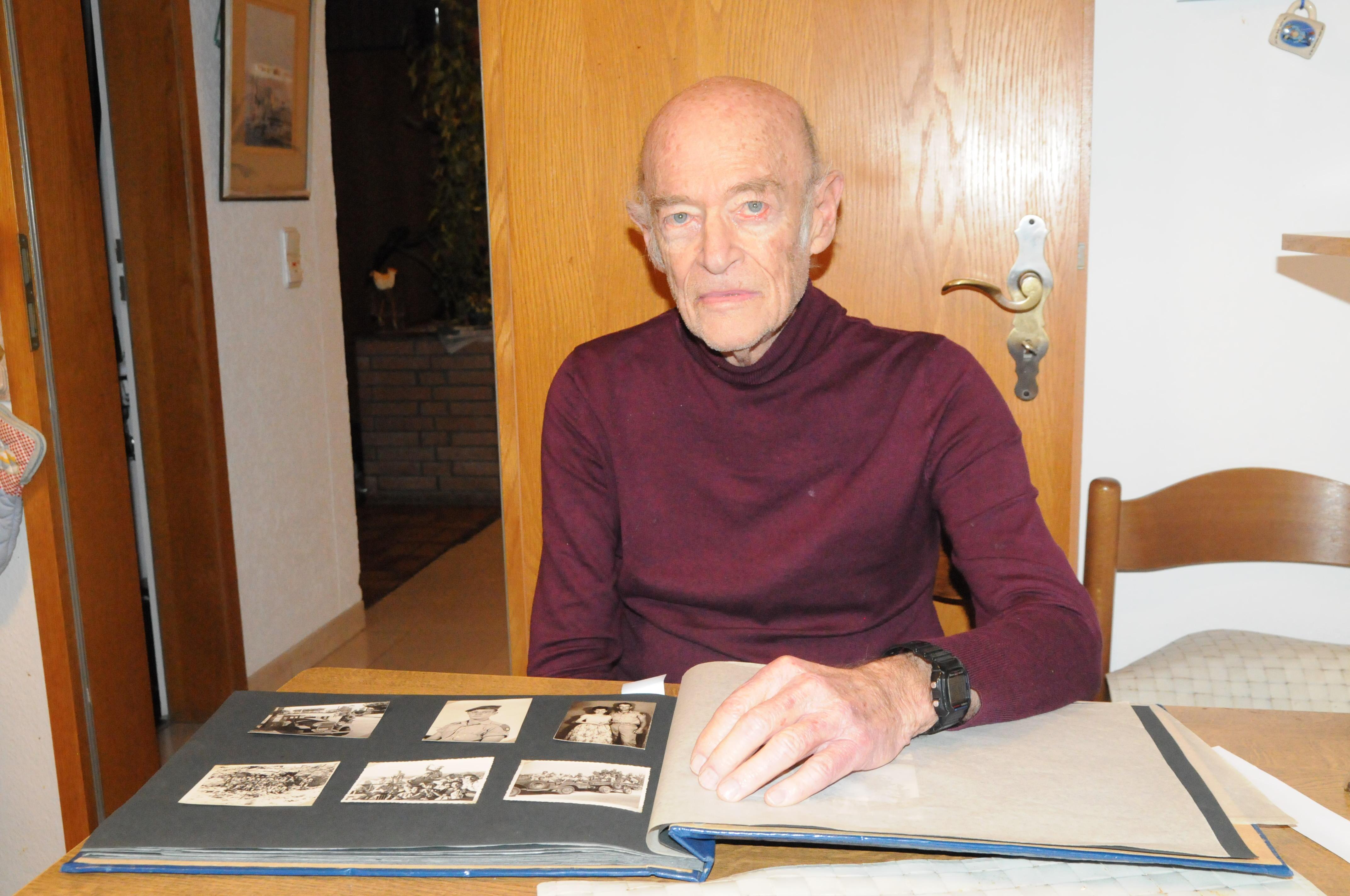 Ein Zeitzeuge berichtet über den Holocaust. Foto: Lena Heising