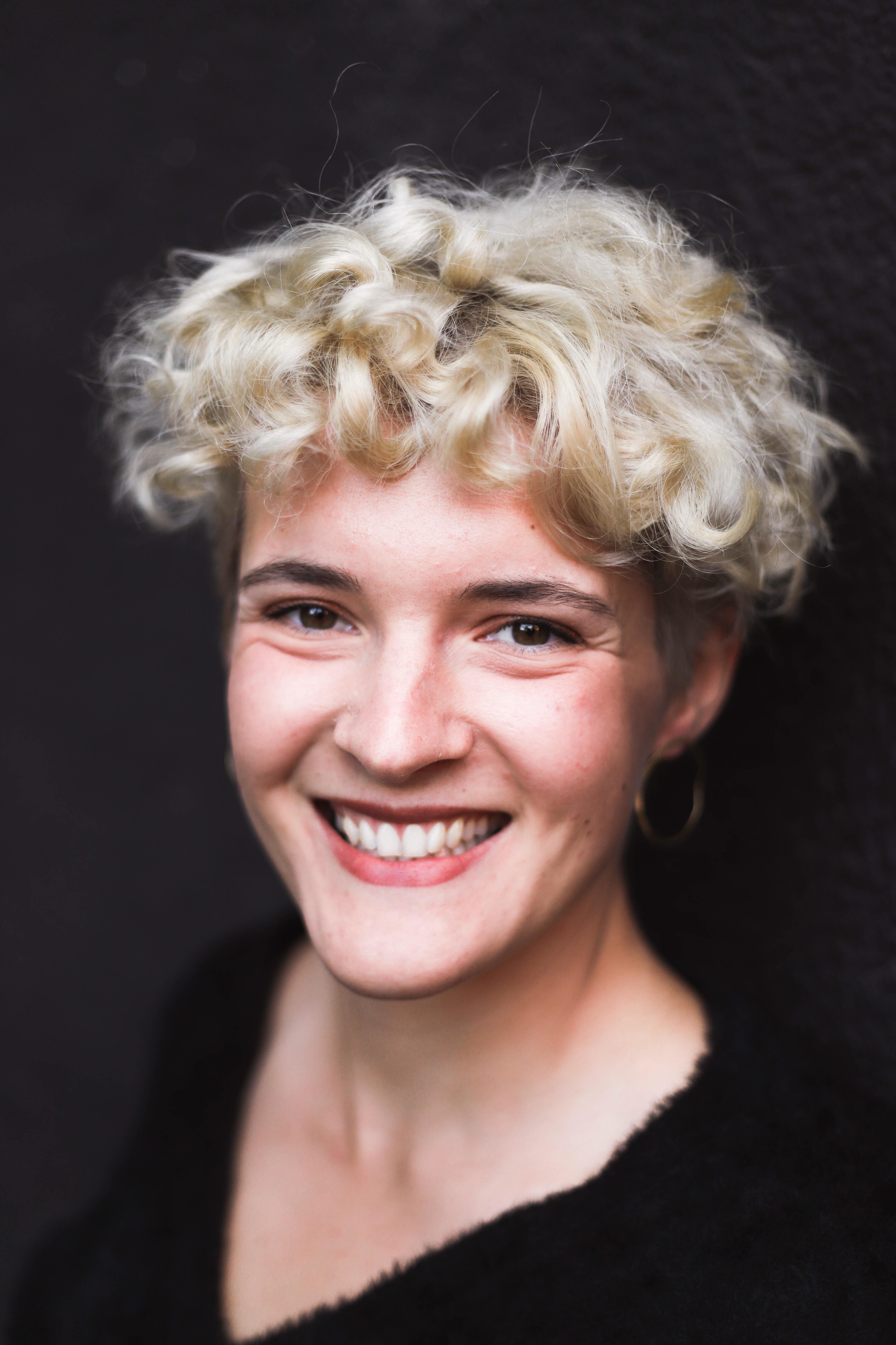 Julia Barz