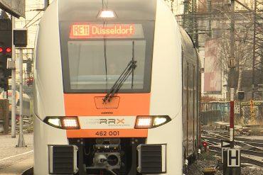 Neu und mit WLAN: Der RRX startet auf der Strecke zwischen Düsseldorf und Kassel. Zu Beginn läuft aber noch nicht alles rund.